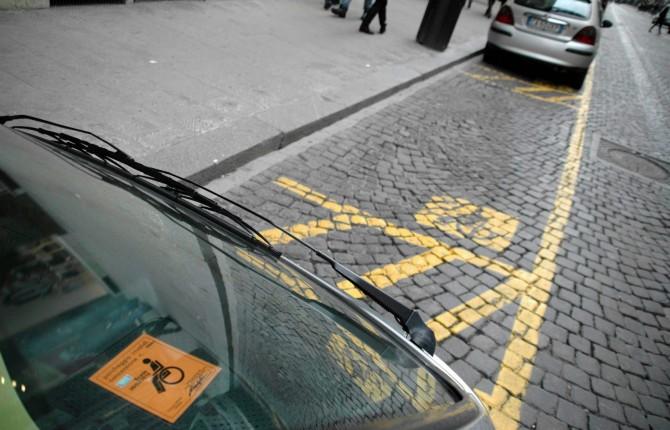 Porsche-parcheggio-disabili-Germania