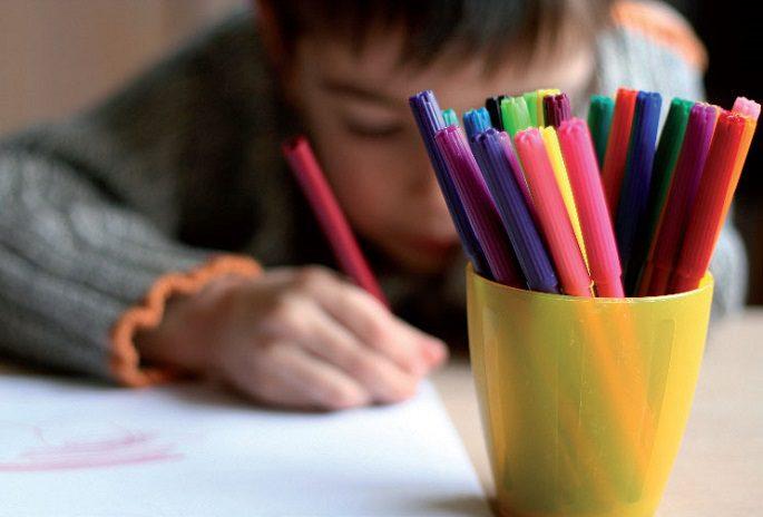 banco scolastico per alunni disabili