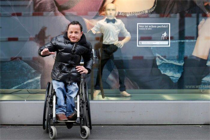 Manichini disabili in una vetrina di Zurigo