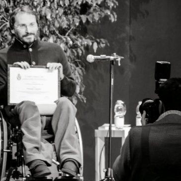 Pierluigi Cappello riceve il premio letterario intitolato a Tiziano Terzani