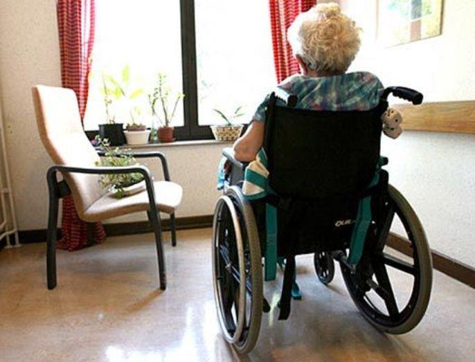 bonate-sotto-disabile-montascale