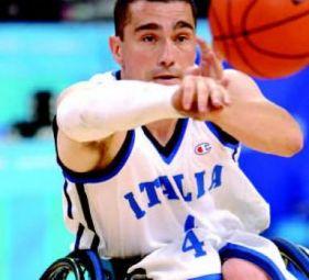 Fabio Raimondi giocatore di basket in arrozzina