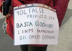 Protesta contro gli abusi legge 104