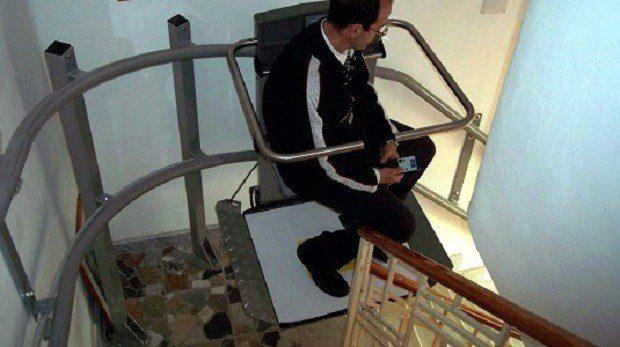 Servoscala installato in edificio storico ad Alghero