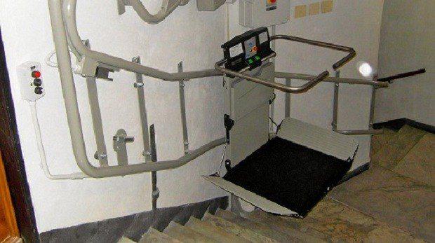 installazione servoscala Genova