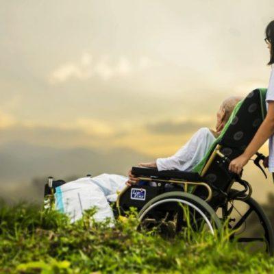 Il caregiver familiare per l'assistenza ad anziani e disabili